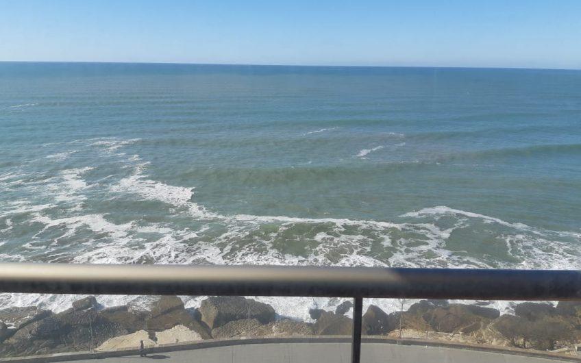 Departamento frente al mar en Playa Grande