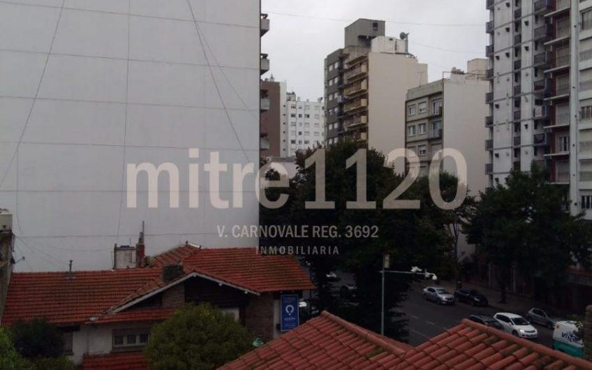 Monoambiente en Plaza Mitre